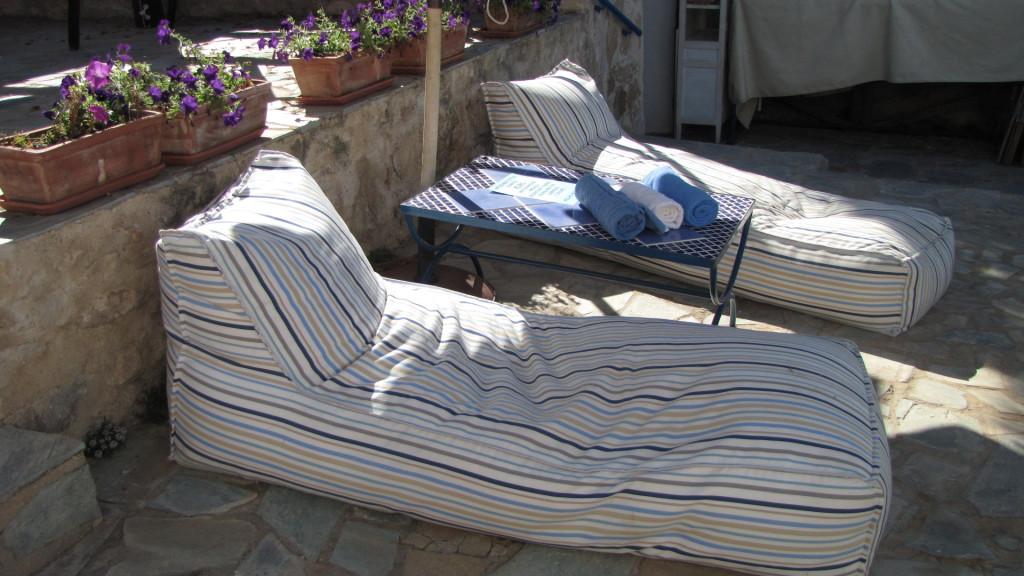 tipota cyprus beds
